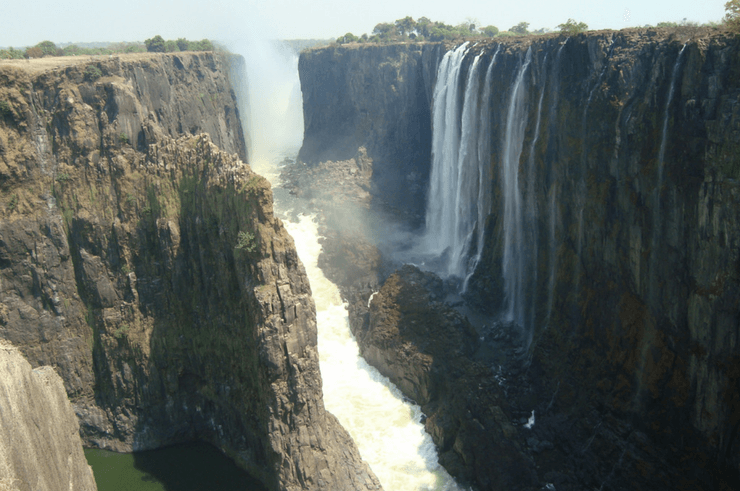 Victoria Falls in September