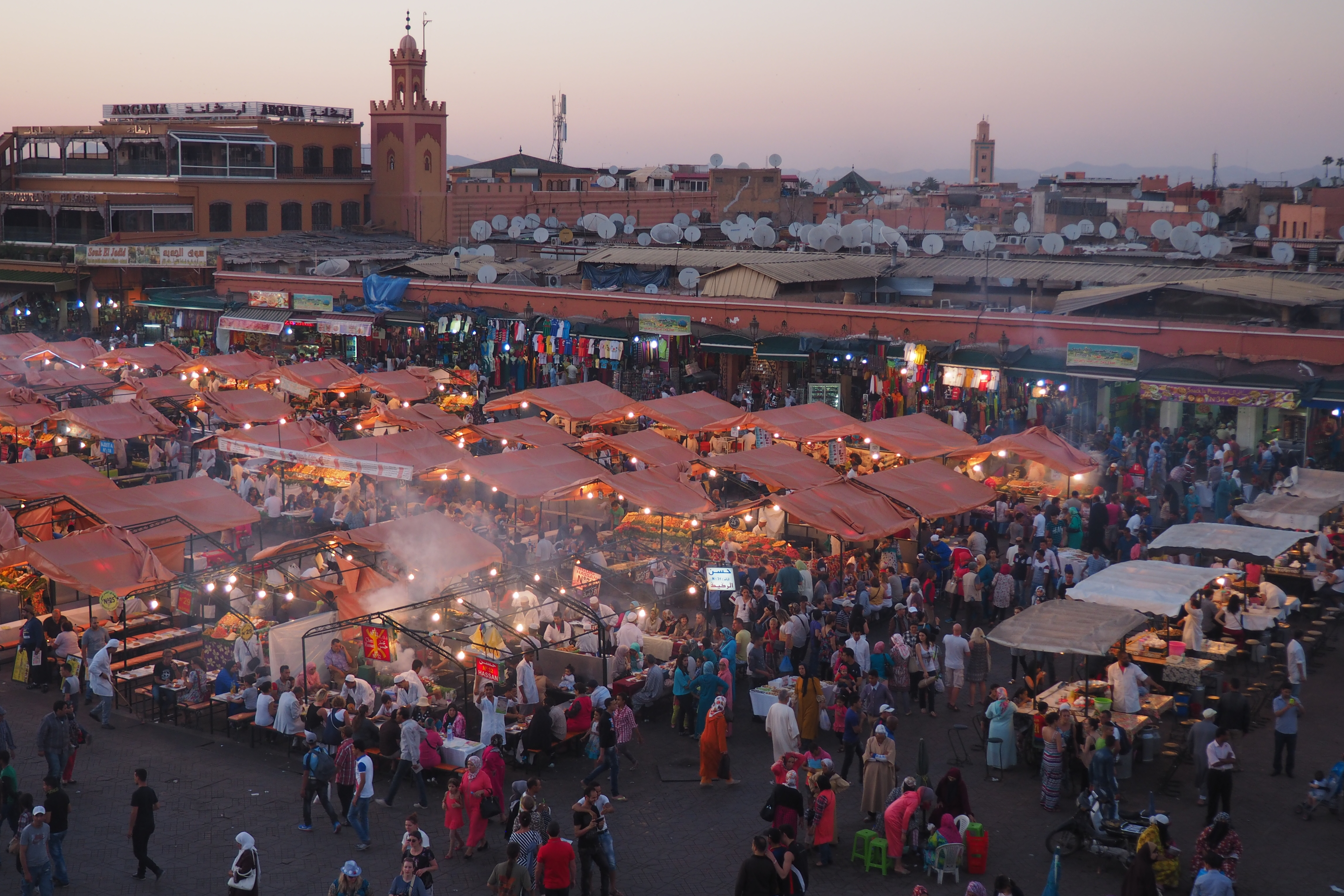the perfect 12 day morocco itinerary from sea to sahara helen in wonderlust. Black Bedroom Furniture Sets. Home Design Ideas