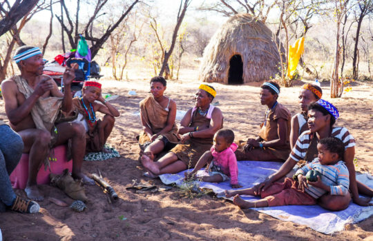 San People Dqae Qare San Lodge